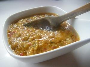 Como nos ha sobrado esta rica salsa, hemos preparado un arroz muy rico.
