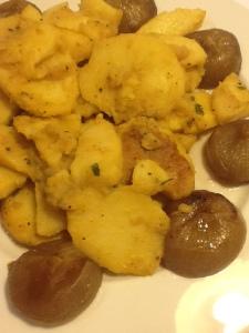 Guarnición de chalotas con  patatas glacé.