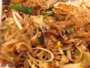 FOTO 1: Fried noodle Thai style (Pad Thai)