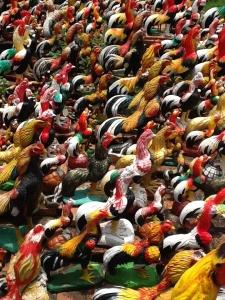 FOTO 2: Chicken Thai nos presento a sus amigos. Nos han parecido un poco gallitos.