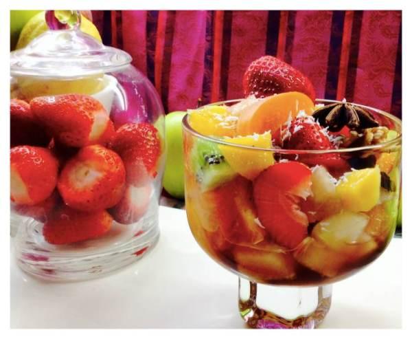 Minestrone de frutas de temporada en copa